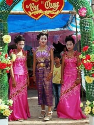 クメール族の伝統衣装 - ảnh 2