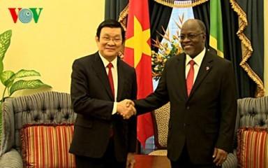 タンザニアを訪問中のサン主席の活動 - ảnh 1