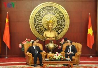 中国駐在大使、広西チワン族自治区書記と会見 - ảnh 1