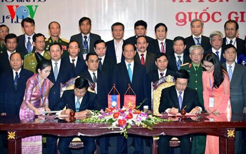 ベトナム・ラオス、国境標識及び関連協定に調印 - ảnh 1