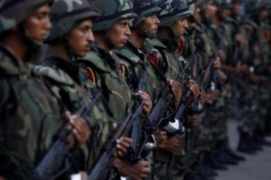 エジプト軍、シナイ半島でイスラム過激派60人殺害 - ảnh 1