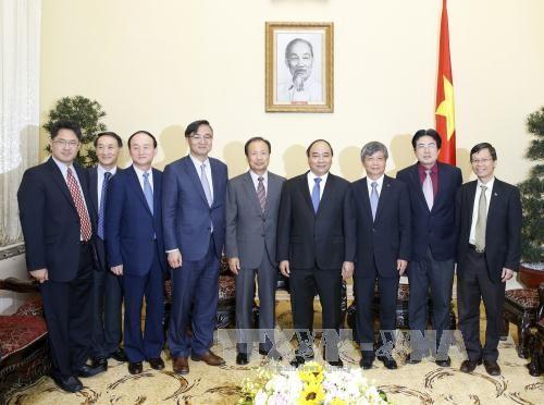 外国企業のベトナム投資強化へ希望を表わすフック首相 - ảnh 1