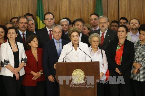 ブラジルのルセフ大統領停職=上院、弾劾裁判開始決定 - ảnh 1