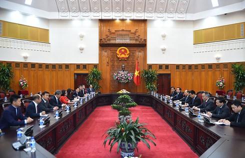 フック首相、中国企業の代表と会見 - ảnh 1