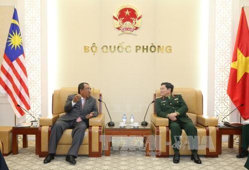 マレーシア国防次官、ベトナムを訪問 - ảnh 1