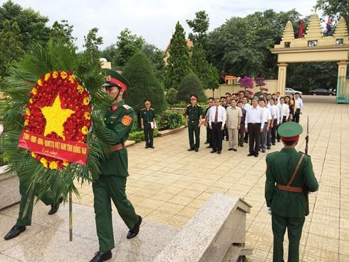 カンボジアのフンセン首相 125号団の本部があった遺跡を訪問 - ảnh 1