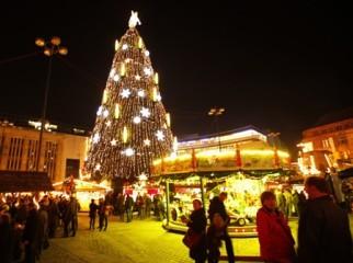 世界各地でクリスマスのお祝い - ảnh 1