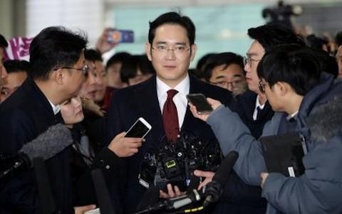 サムスン贈賄疑い 韓国地裁、副会長の逮捕認めず - ảnh 1