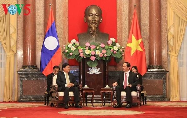 ベトナム指導者、ラオス首相と会見 - ảnh 1
