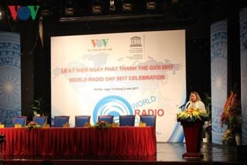 ラジオ放送は、大衆的な情報マスメディアである - ảnh 3