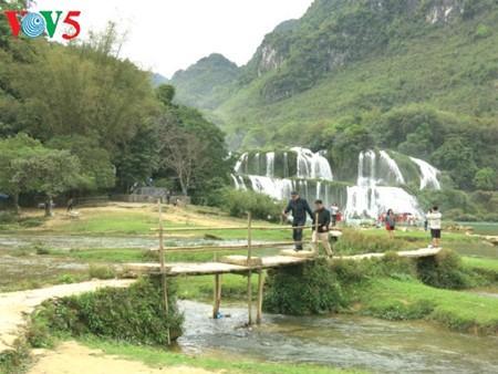 東南アジア最大の滝「バンゾク」滝 - ảnh 12