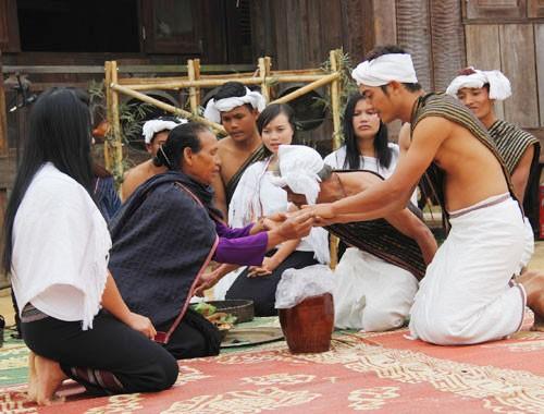 チュル族の独特な文化 - ảnh 3