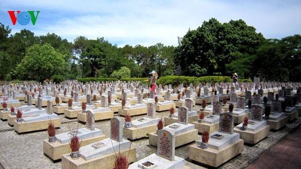 チュオンソン戦没者墓地 - ảnh 1