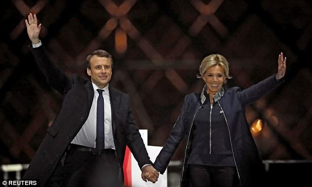 フランスの大統領夫人に公の地位与える規定の制定 断念 - ảnh 1