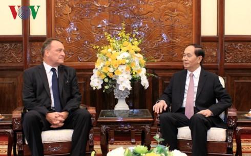 クアン国家主席 スロバキアとオーストリア大使と会見 - ảnh 1