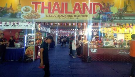 世界食文化フェスティバル 有名なベトナム人シェフの披露 - ảnh 1