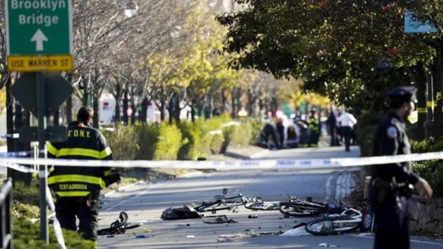 NY、車突入テロで8人死亡 - ảnh 1