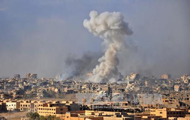 シリア東部でISが爆弾攻撃、避難民ら75人死亡 - ảnh 1