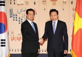 PM  Nguyen Tan Dung memulai aktivitas dalam  kunjungan resmi di Republik Korea. - ảnh 1