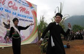 Upacara memohon hujan dari rakyat etnis minoritas Kho Mu. - ảnh 3