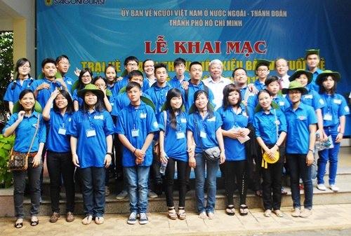 Pembukaan perkemahan musim panas pemuda diaspora dan kaum pemuda kota Ho Chi Minh - ảnh 1