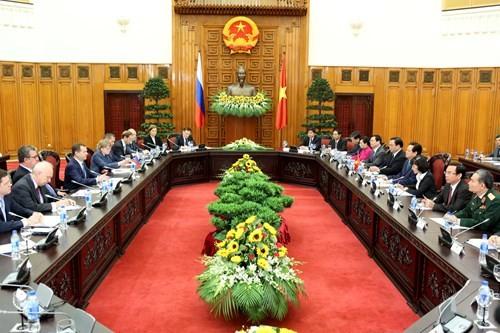 Aktivitas PM Rusia Dmitry Medvedev dalam kunjungan di Vietnam - ảnh 1