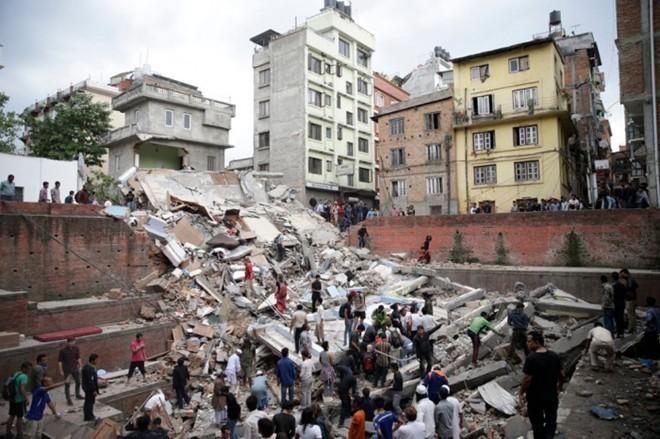 Negara-negara membantu Nepal mengatasi akibat gempa bumi - ảnh 1