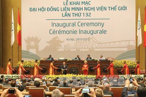 Sepuluh event Vietnam yang menonjol pada tahun 2015 - versi  Radio Suara Vietnam (VOV) - ảnh 4