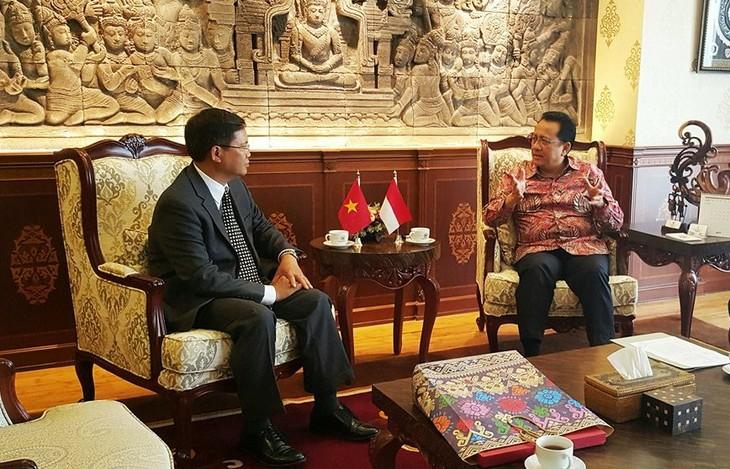 Hubungan dengan Vietnam menjadi prioritas dalam kebijakan regional dari Indonesia - ảnh 1