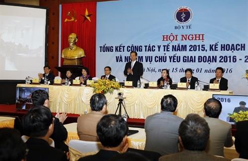 Instansi Kesehatan Vietnam terus berfokus memikirkan pendidikan barisan dokter yang berkemampuan, bertaraf kejuruan tinggi dan etika kedokteran baik - ảnh 1