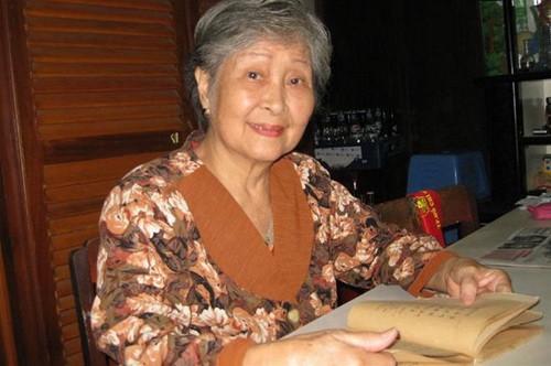 Deklamasi sajak ibu Tran Thi Tuyet dalam memori para penggemar sajak - ảnh 1