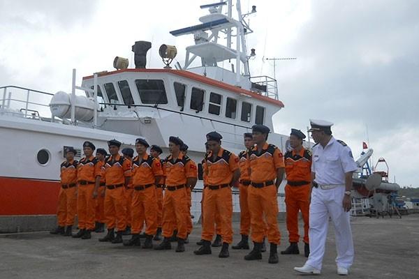 Para kader dan warga kabupaten pulau Truong Sa melaksanakan dengan baik pekerjaan SAR - ảnh 1