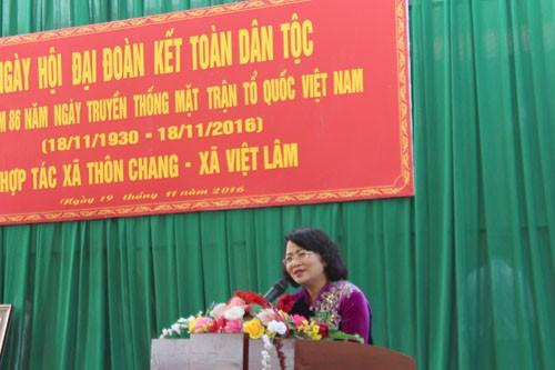 Wakil Presiden Dang Thi Ngoc Thinh menghadiri Pesta Persatuan Besar Nasional di  provinsi Ha Giang - ảnh 1
