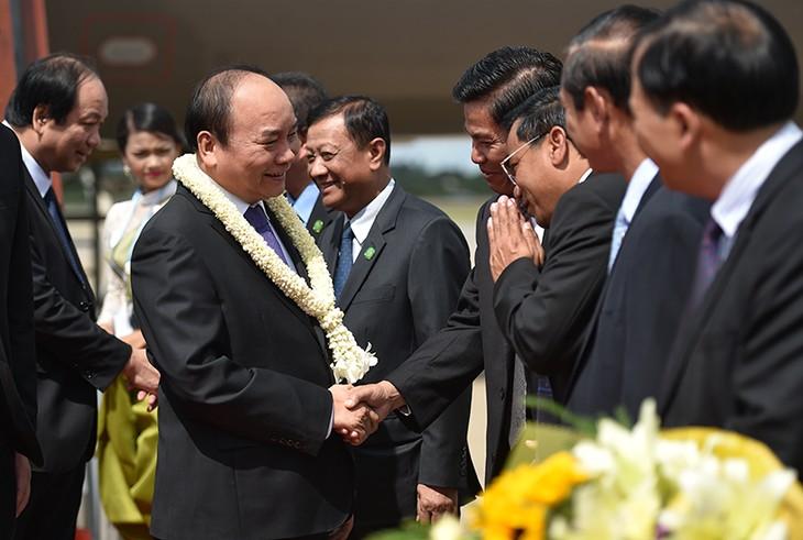 Pembukaan KTT Kawasan Segi Tiga Perkembangan Kamboja-Laos-Vietnam - ảnh 1