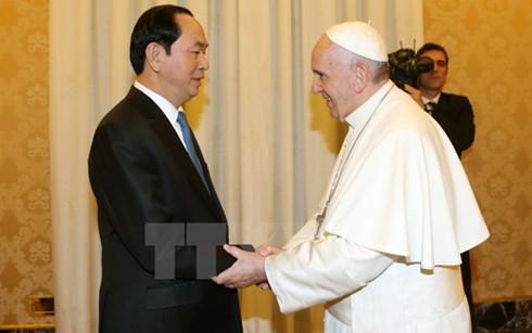 Presiden Tran Dai Quang melakukan pertemuan dengan Paus dan PM Takhta Suci Vatikan - ảnh 1