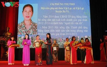 Saudari Phung Thi Tho-Seorang wanita yang mengubah tanah tandus menjadi lahan usaha tani senilai miliaran dong Vietnam - ảnh 1