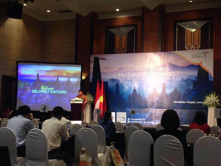 Indonesia mendorong sosialisasi pariwisata di Vietnam - ảnh 1