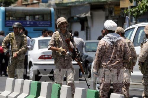 Terjadi serangan-serangan terhadap Gedung Parlemen dan beberapa makam di Iran sehingga menimbulkan banyak korban - ảnh 1