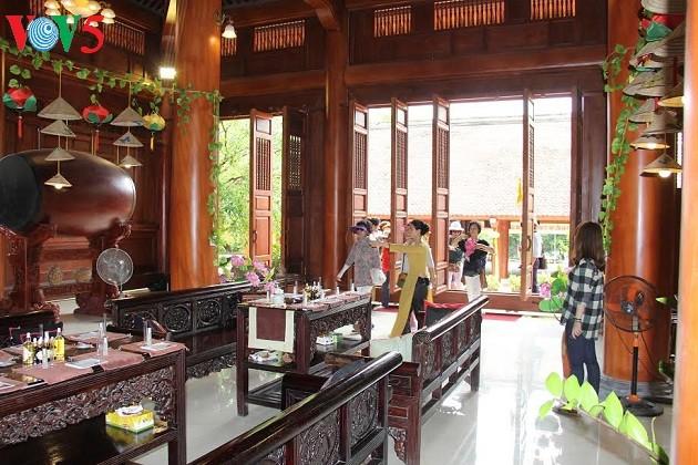 Mendaki gunung Yen Tu untuk menikmati paket wisata  minyak atsiri medis - ảnh 1