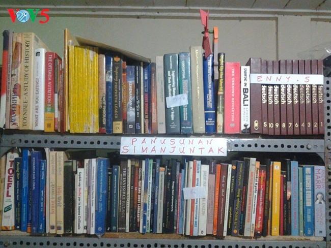 DX Musem&Library- Perasaan cinta dari Hazairin R Junep terhadap radio-radio seluruh dunia - ảnh 2