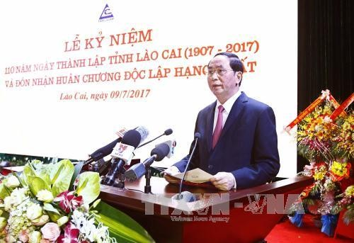 Presiden Tran Dai Quang: Provinsi Lao Cai perlu berusaha menjadi provinsi yang berkembang di daerah Tay Bac - ảnh 1