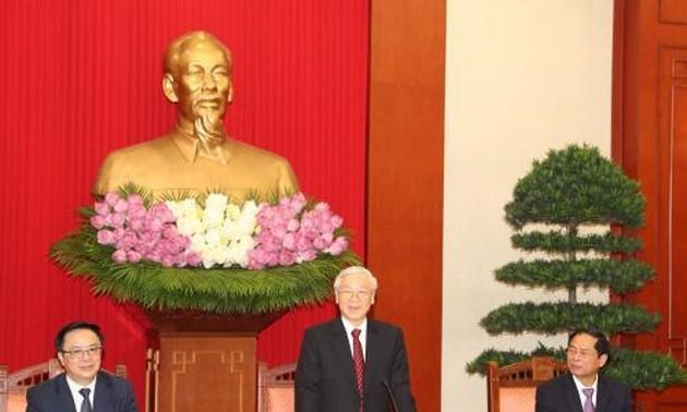 Para Duta Besar, Kepala Perwakilan Vietnam di luar negeri memperkuat sosialisasi citra Vietnam kepada sahabat-sahabat internasional - ảnh 1