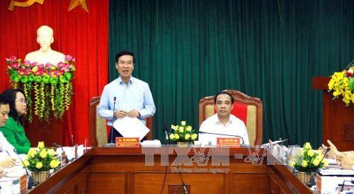 Kepala Departemen Komunikasi dan Pendidikan KS PKV, Vo Van Thuong melakukan temu kerja di provinsi Tuyen Quan - ảnh 1