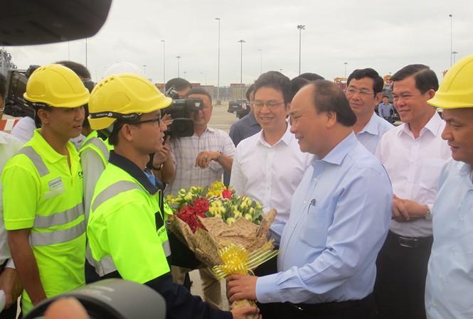 PM Nguyen Xuan Phuc melakukan kunjungan kerja di Provinsi Ba Ria-Vung Tau - ảnh 1