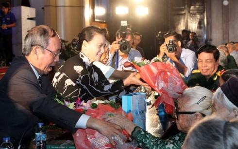 Pimpinan Pemerintah dan MN menghadiri aktivitas-aktivitas memperingati ulang tahun ke-70 Hari Prajurit Disabilitas dan Martir Vietnam - ảnh 1