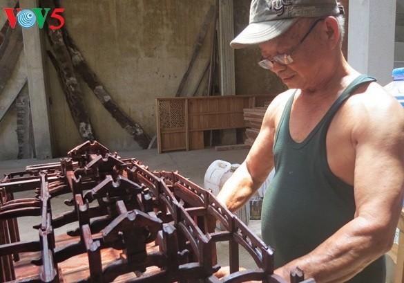 Bapak Huynh Ri, orang yang memugar balai desa dan pagoda kuno di provinsi Quang Nam - ảnh 1