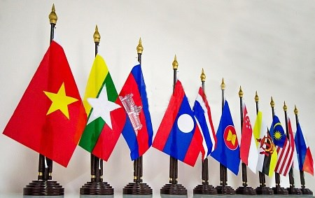 Dua puluh dua tahun Vietnam berjalan seperjalanan  dengan negara-negara dalam rumah bersama ASEAN - ảnh 1