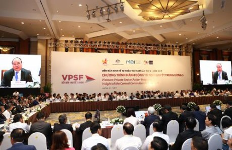 Melaksanakan Resolusi Sidang Pleno ke-5 KS PKV- Pemerintah berjalan seperjalanan dengan sektor ekonomi swasta - ảnh 1