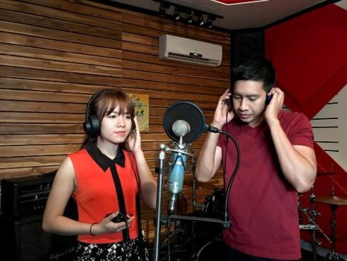 """Kontes """"Nyanyian ASEAN+3"""": Kesempatan bagi para penyanyi muda Laos untuk menegaskan dirinya sendiri - ảnh 1"""
