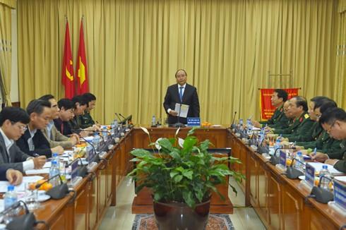 PM Nguyen Xuan Phuc melakukan temu kerja dengan Badan Pengelola Mousolium Presiden Ho Chi Minh - ảnh 1